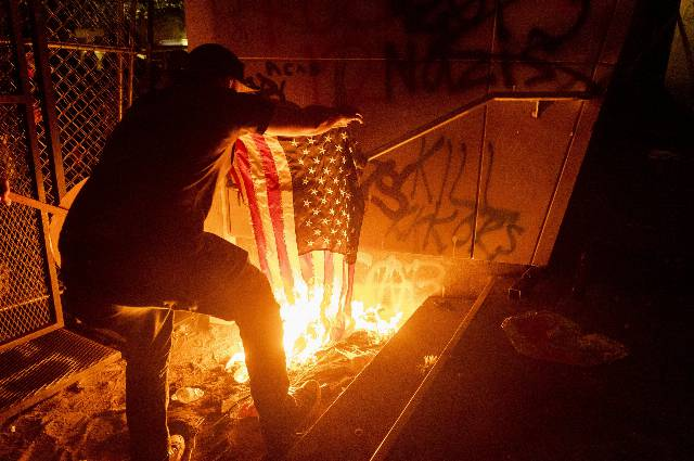 Federal agents, local streets: A 'red flag' in Oregon
