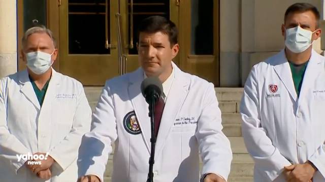 WH doctor refuses to answer questions about Trump's last negative COVID-19 test
